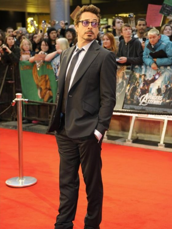 Robert Downey Jr. - 5 feet 9 inches