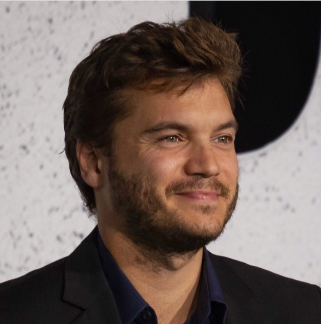 Emile Hirsch - 5 feet 7 inches