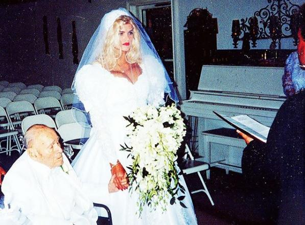 26 Year Old Anna Nicole Smith Marrying 89 Year Old J. Howard Marshall